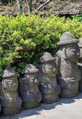 Algunos harubang de Jeju