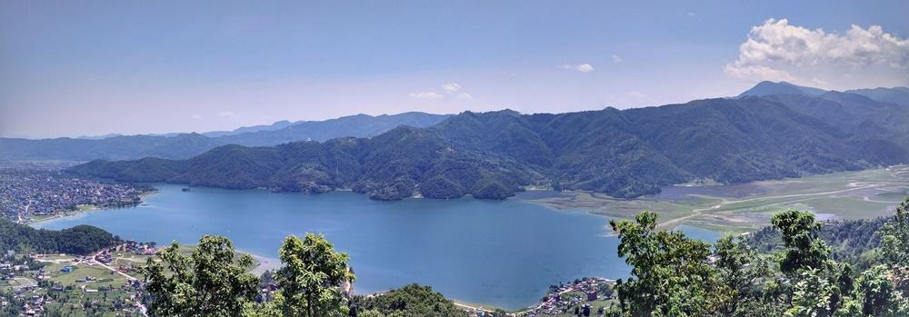 Panorámica del lago Phewa y Pokhara