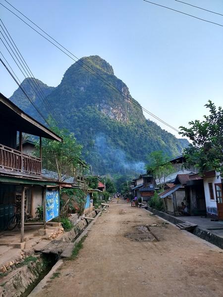 La calle principal de Muang Ngoi Ngua