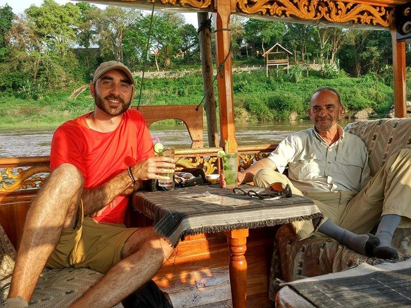 Paseando en barco por el Mekong